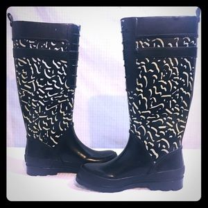 ✨Nine West Rain Boots Black and White size 6✨